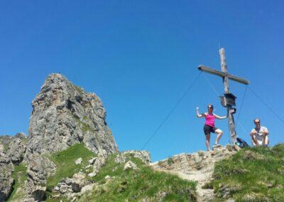 Topkruis in de bergen
