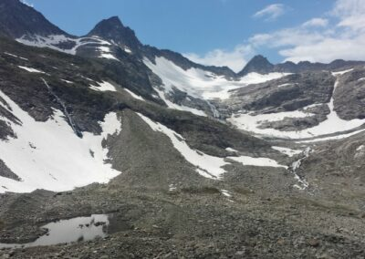 sneeuwvelden en bergtoppen
