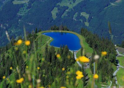 blauw bergmeer